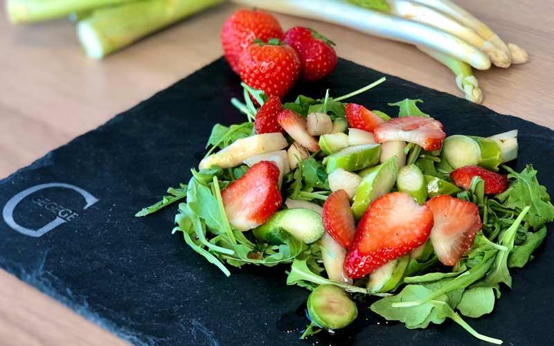 Spargel-Erdbeer - Salatrezept